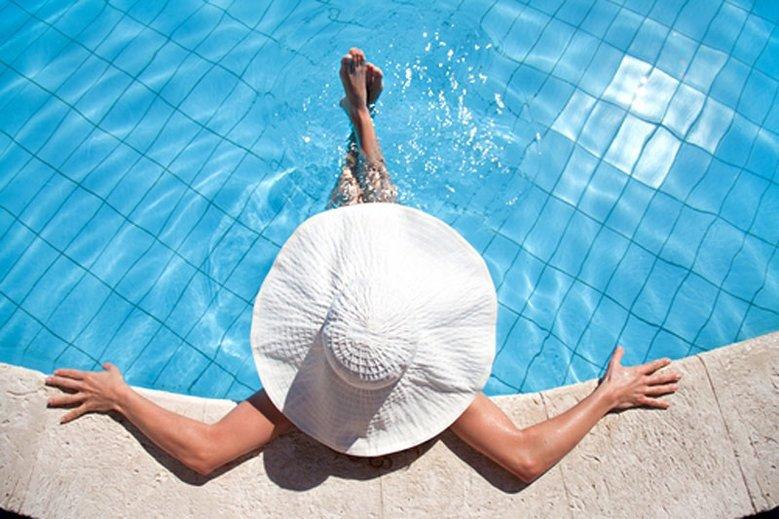Użytkownicy Wykopu twierdzą, że basen tylko dla kobiet to przejaw dyskryminacji mężczyzn.