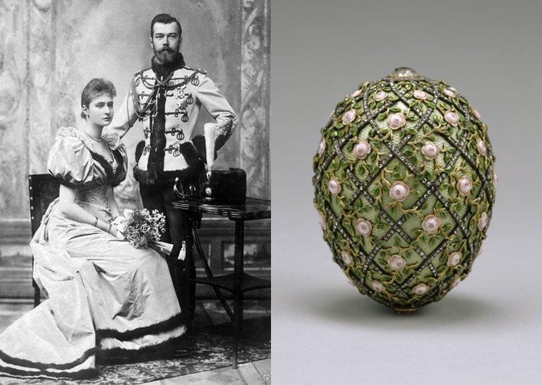 Zdjęcie zaręczynowe (1894) cara Mikołaja II i Aleksandry Fiodorownej, wnuczki Królowej Wiktorii. Po prawej jedno z jajek Fabergé z 1907 roku, które otrzymała Aleksandra. Obecnie znajduje się w muzeum w stanie Maryland.