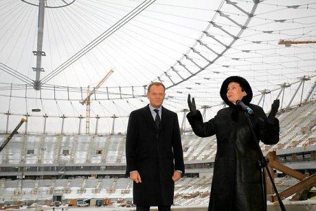 Premier Tusk i Prezydent Hanna Gronkiewicz-Waltz osobiście nadzorują budowę Stadionu Narodowego