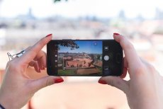 Badanie Wakacyjny Trendomierz Huawei 2017 kreśli obraz smartfonu jako wielofunkcyjnego urządzenia w czasie wakacyjnych podróży
