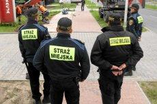 """Straż Miejska w Kielcach wystawiła Igorowi mandat za parkowanie zbyt blisko skrzyżowania. """"Na oko"""""""