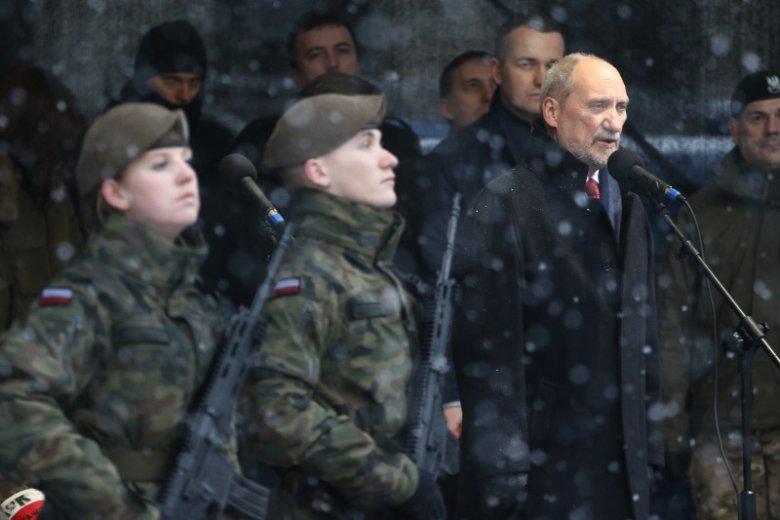 Co prawda, przed dymisją Antoni Macierewicz przyspieszył z WOT-em, jednak teraz szykują się cięcia.