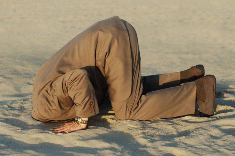 Czy chowanie głowy w piasek i gra na czas to dobry sposób na rozwiązywanie wizerunkowych kryzysów?