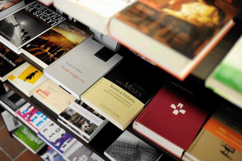 Czasem trudno jest się odnaleźć w gąszczu księgarni
