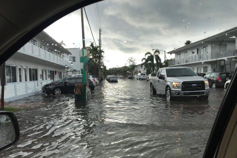 Huragan pojawi się niedługo nad Florydą.
