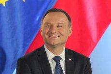 Andrzej Duda ze spotkania we Wrocławiu wyszedł bocznymi drzwiami. Tak uniknął spotkania z demonstrantami