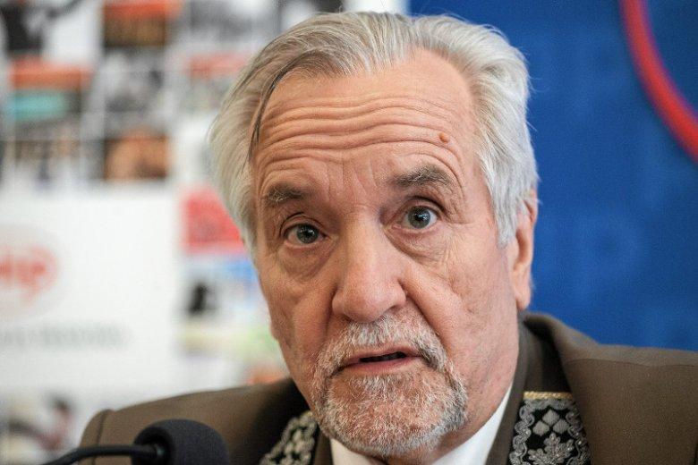Dyrektorem generalnym Lasów Państwowych jest Konrad Tomaszewski, kuzyn Jarosława Kaczyńskiego, szefa PiS.