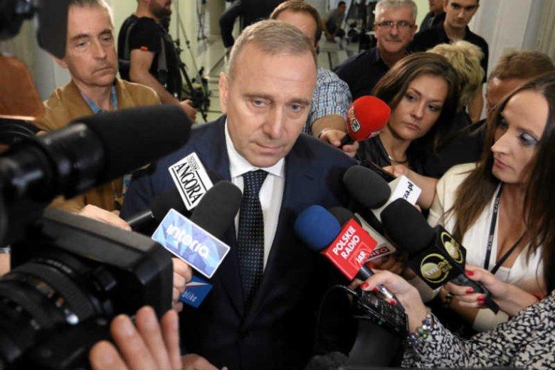Grzegorz Schetyna czyści PO z wewnętrznej opozycji.