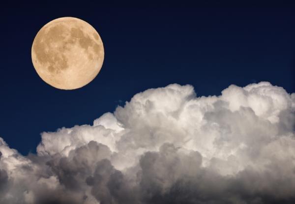 Półcieniowe zaćmienie Księżyca łatwo przeoczyć