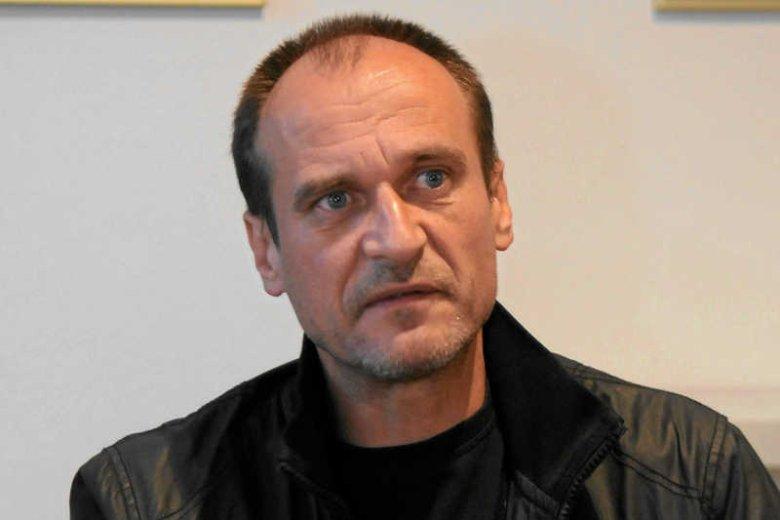 Paweł Kukiz podczas konferencji prasowej dot. jednomandatowych okręgów wyborczych.