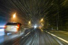 Huraganowy wiatr spodziewany są w wielu regionach Polski, prognozują synoptycy.