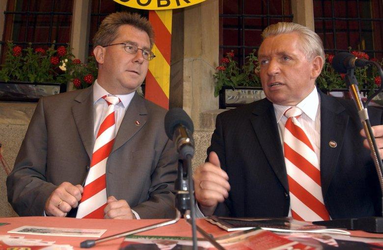 2004 r.; Ryszard Czarnecki i Andrzej Lepper na konferencji Samoobrony.