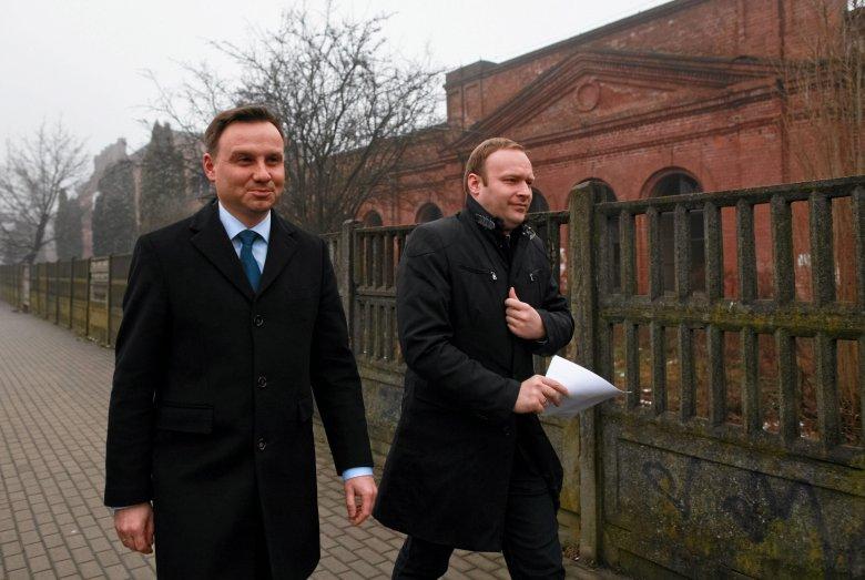 Marcin Mastalerek i Andrzej Duda w Łodzi w styczniu 2015 r., podczas prekampanii przed wyborami prezydenckimi.