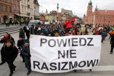 """Marsz antydyskryminacyjny """"Powiedz NIE rasizmowi"""" w marcu 2016 roku w Warszawie"""
