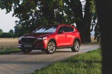 """Mazda CX-5 to auto w """"tradycyjnym"""" stylu."""