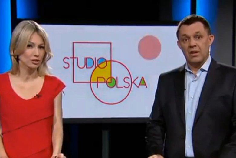 """Magdalena Ogórek razem z Jackiem Łęskim prowadzi program """"Studio Polska"""" w TVP Info."""