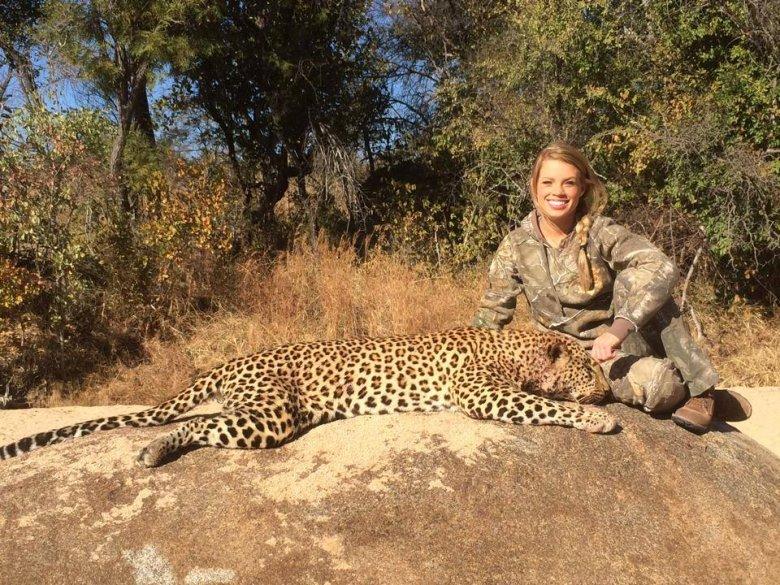 Kendall Jones z upolowanym gepardem