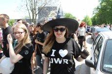 Studenci z Wrocławia podczas parady z okazji juwenaliów. A czy Ty kochasz swoją uczelnię?