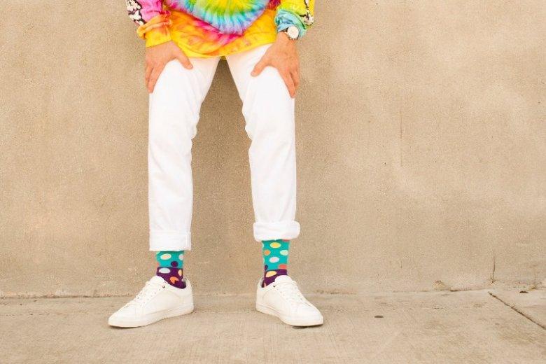 Kolorowe skarpetki to symbol dobrego stylu i indywidualizmu, bez względu na wiek