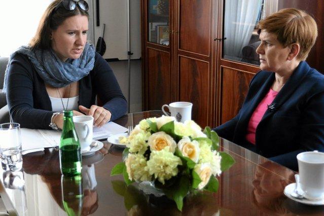 Karolina Elbanowska była pierwszym gościem nowej minister edukacji Anny Zalewskiej. 2015 rok.