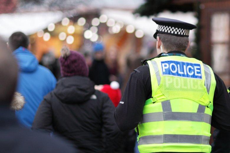 Policjant z miejscowości Hull został zwolniony z powodu swojego agresywnego zachowania wobec polskiego ochroniarza.