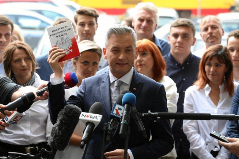 Robert Biedroń prezentuje swoją nową inicjatywę – to ma być nowy projekt polityczny. Szczegóły mają być znane dopiero w lutym.