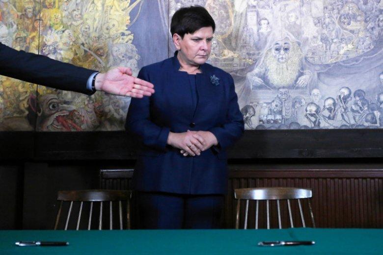 Czy Beata Szydło zwróciła premie?