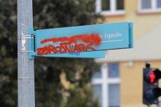 Na radnych PO w Białymstoku wylał się hejt za zmianę patrona ulicy Łupaszki.