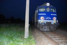 Pociąg przez kamienny stos został unieruchomiony na kilka godzin.