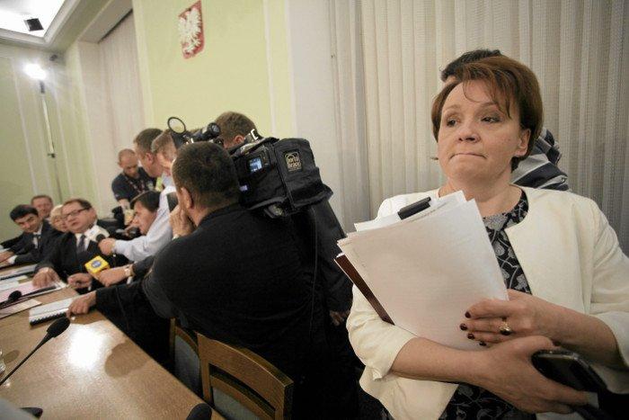 W 2011 roku była członkiem komisji badającej okoliczności śmierci Barbary Blidy.