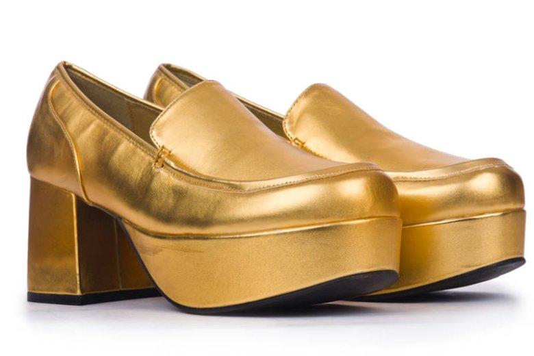 4e0c153883252 Złote buty są genialnym sposobem na niebanalna stylizację. Zarówno za dnia  jak i wieczorem