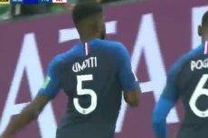 Samuel Umtiti w oryginalny sposób cieszył się po strzeleniu gola.