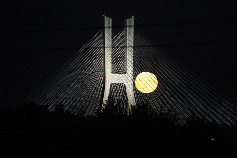 Przez 3 dni będzie Wielka Pełnia - czegoś podobnego jeszcze nie widziałeś. Nad polskim niebem rozbłyśnie Superksiężyc