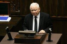 Jarosław Kaczyński w komentarzu do expose Mateusza Morawieckiego nawiązał do marginalnych zjawisk, co łatwo rozszyfrować jako słowa o społeczności LGBT.