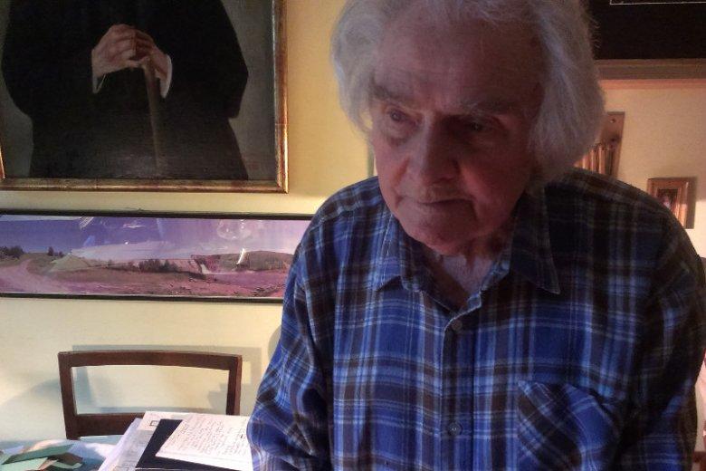"""Janusz Horzemski po kilkudziesięciu latach poszukiwań dotarł do pryczy, na której jego matka spędziła ostatnią noc życia na Syberii. """"Mamusiu, obyś chociaż taki grób miała"""""""