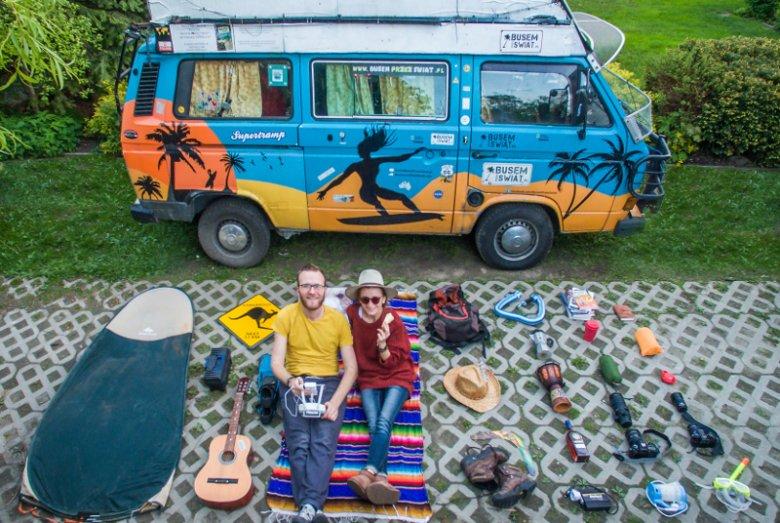 Karol Lewandowski z Busem przez świat opowiedział nam, ile można zarobić na podróżowaniu.