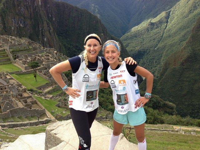 Winter Vinecki ze swoją mamą podczas Inca Trail Marathon w Peru