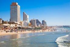Życie w Tel Avivie toczy się dalej.