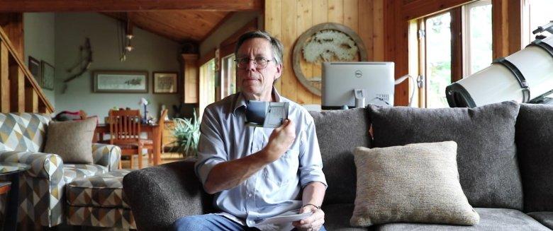 """Na zdjęciu widzimy skaner dłoni, który miał znaleźć się w Strefie 51. Podobny był w filmie """"Bliskie spotkania trzeciego stopnia"""" z 1977 r."""