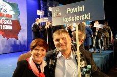 Senator PiS Waldemar Bonkowski z premier Beatą Szydło.