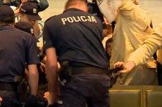 Dziś w gmachu Sądu Najwyższego podczas zamieszania jeden z protestujących próbował odebrać policjantowi broń.