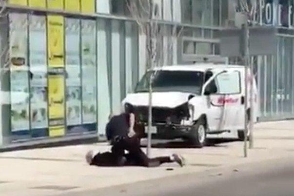 Po sieci krąży nagranie przedstawiające zatrzymanie kierowcy.