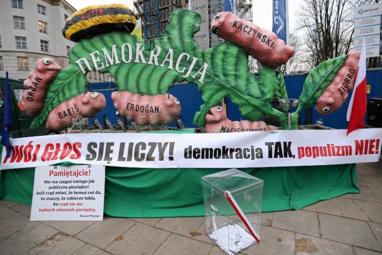"""""""Liść Demokracji"""" zaczyna swoje tournee po Dolnym Śląsku."""