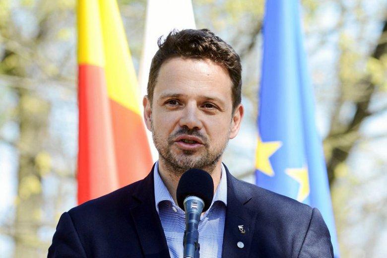 Na Rafała Trzaskowskiego wylało się morze hejtu po tym, jak podpisał Warszawską Deklarację LGBT+