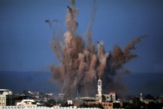 W Strefie gazy zginęło już ponad dwa tysiące ludzi. Cywilów, kobiet i dzieci.