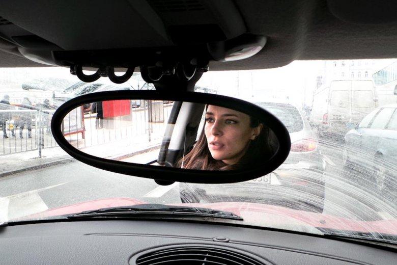 Anna Czartoryska w samochodzie