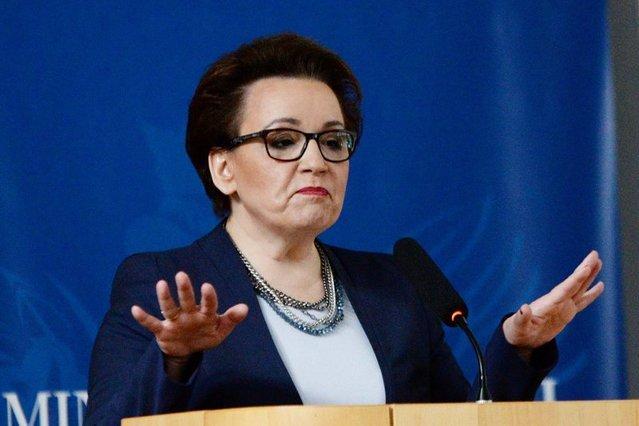 Minister Anna Zalewska obiecała podwyżki nauczycielom, ale nie ostudziło to bojowych nastrojów w tej grupie zawodowej