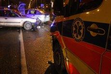 Niestety, noworodka nie udało się uratować. Tragiczne informacje po zderzeniu taksówki z karetką.