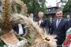 Andrzej Duda wraz z małżonką rozpoczęli Dożynki prezydenckie w Spale.