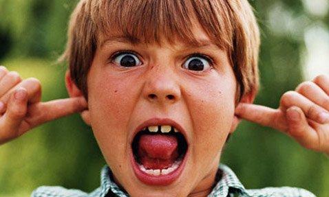 Zdrowy człowiek z łatwością odbiera bodźce wzrokowo-słuchowe. Osoba autystyczna niestety nie...